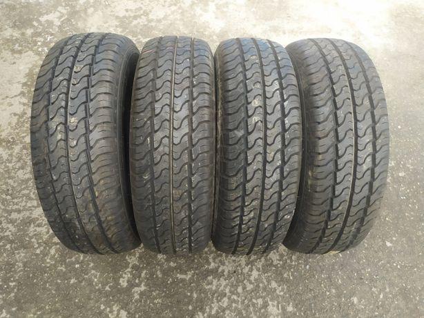 215/70 R15C Dunlop Econodrive 109/107S 4шт літні шини
