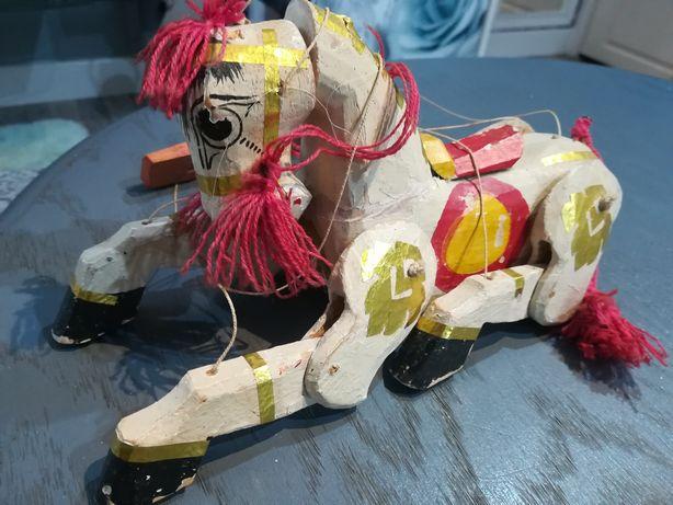 Stara ręcznie wykonana zabawka-Kukiełka konik