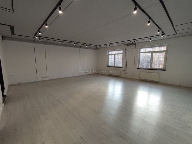 Аренда офиса на ул.Максимовича, 80 м.кв., ж.ф., 7 этаж, open space