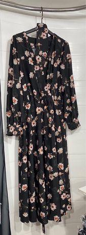 Сукня в квітковий принт!