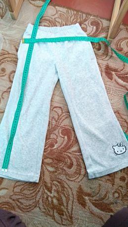 Спортивные штаны 4-6 лет в подарок к моим лотам