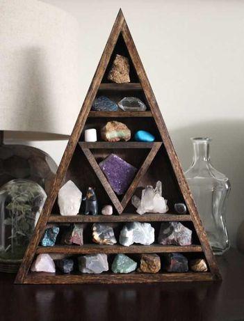 Полка-домик для хранения камней и украшений из натурального дерева
