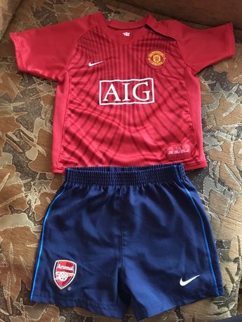 Футболка та шорти