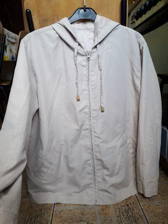 Легкая ветровка куртка кремовая светлая с капюшоном