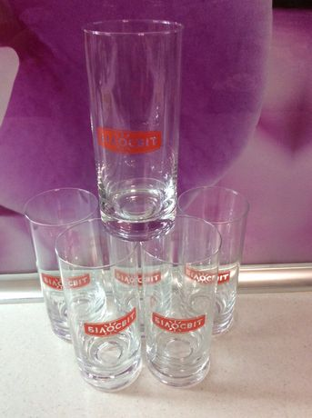 Продам набор высоких стаканов.