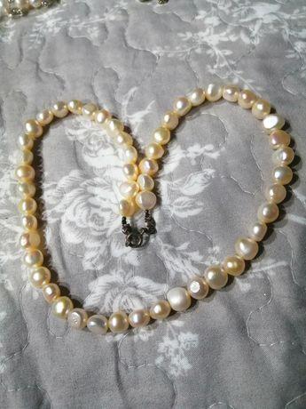 Naszyjnik z perłami hodowlanymi