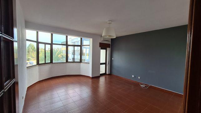 Apartamento T2 com 80m2 - Aires/Padre Nabeto