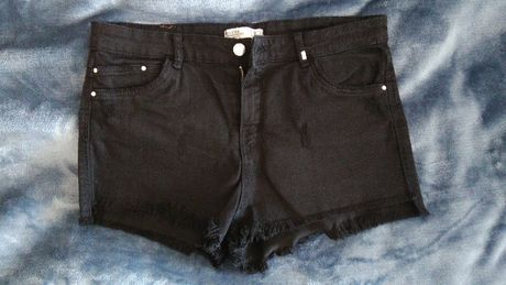 шорты черные Bershka