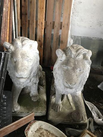 Estatuas leoes grandes em bom estado
