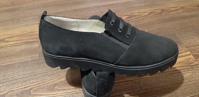 Туфлі замшеві в ідеальному стані, Україна