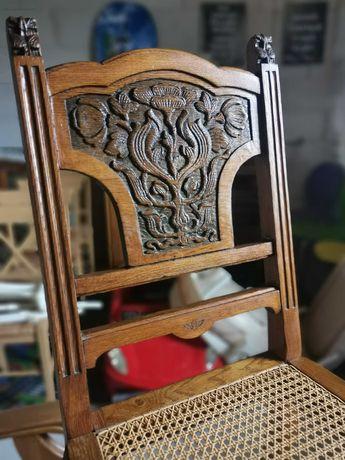 Dębowe przepiękne krzesło rzeźbione.