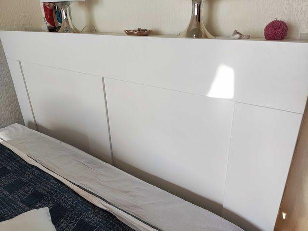 Cabeceira Brimnes IKEA ( 1 branca e 1 castanho escuro)