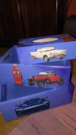 Skrzynki i chustecznik drewniane malowane dla chłopca