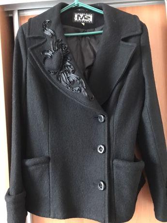 Пальто 48 р