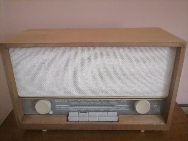 Kolekcjonerski odbiornik radiowy Grundig typu 92 Ma Sprawny