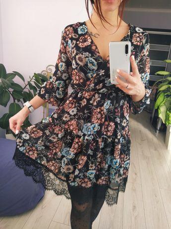 Чорное Платье в цветочек, с принтом цветов, с обёмними рукавами S-M