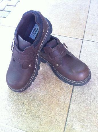 Мешти туфлі