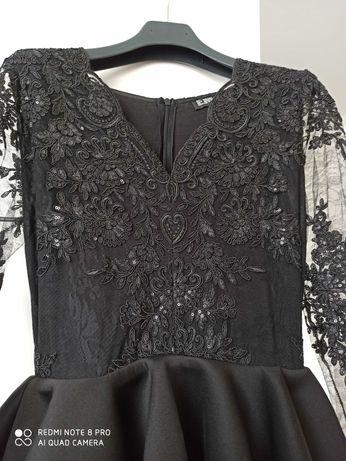 Sukienka koronkowa Emu S