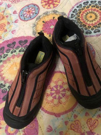 Продам демисезонную обувь для девочки 29 размер