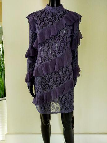 prześwitująca fioletowa sukienka