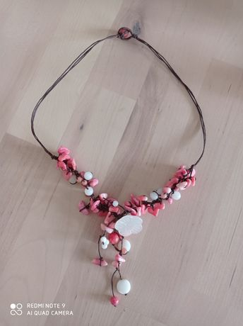 Colar tons rosa e branco