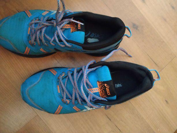 Sapatos asics 42