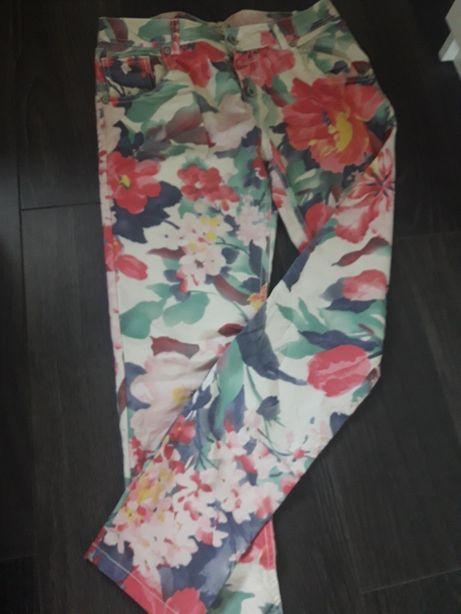 Spodnie 36-38 kwiaty kolorowe