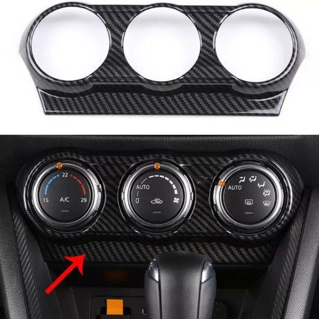 Карбоновая накладка Mazda 2