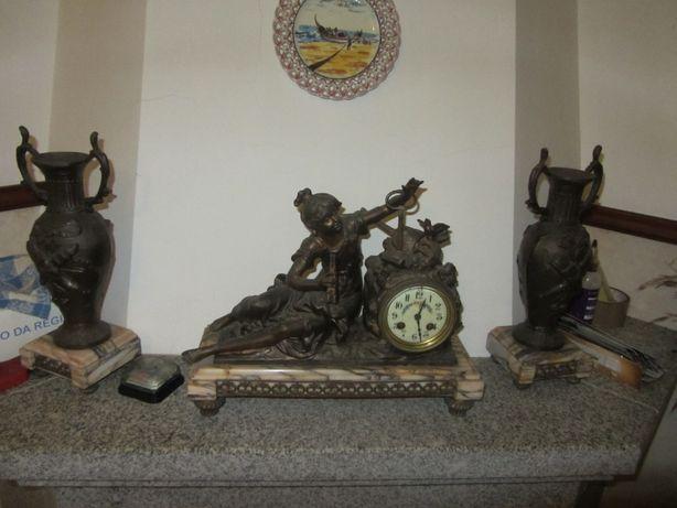 Relógio de Lareira em bronze