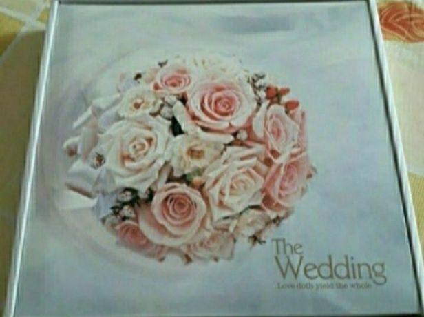 Новий весільний фотоальбом.