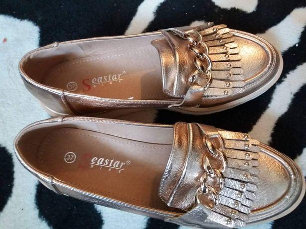 Туфли женские 37 размер. Новые