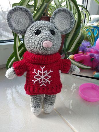 Вязанная игрушка мышка