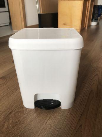 Caixote do lixo para wc