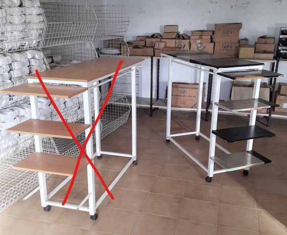 Mesas expositores balcão com rodas