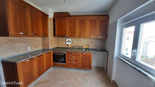 Apartamento totalmente remodelado, venda, Castelo Branco
