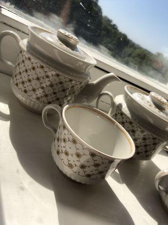 Сервиз чайник сахарница чашки