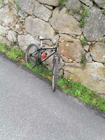 Bicicleta vendo por falta de usso