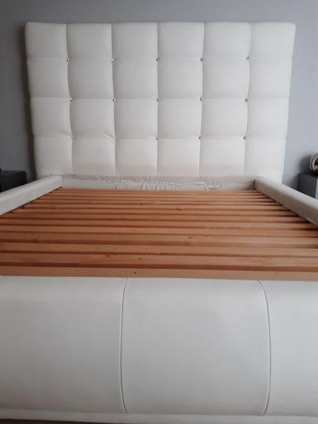 Łóżko sypialniane plus pufa