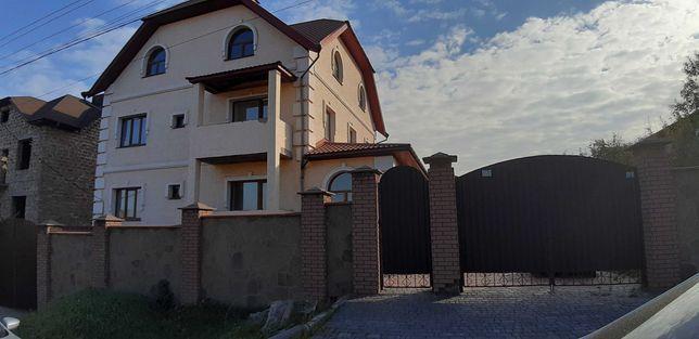 Продам 2х этажный  дом на Бажаново