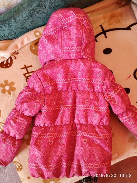 Продам курточку на девочку 4 -5 лет,состояние отличное