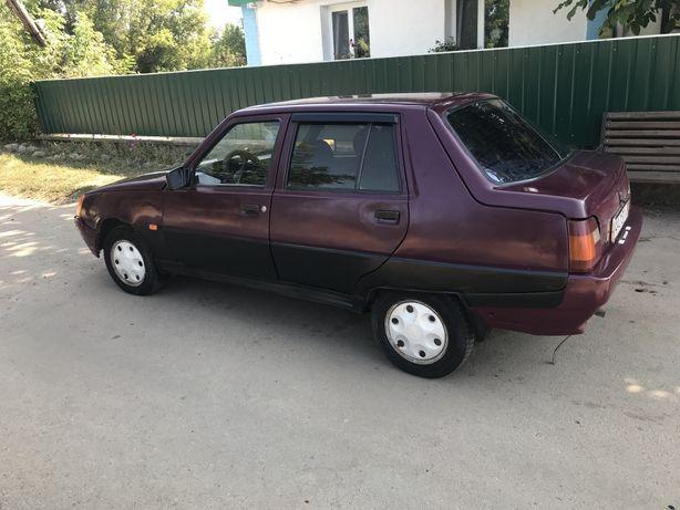 Продам срочно авто Славута 2004 року