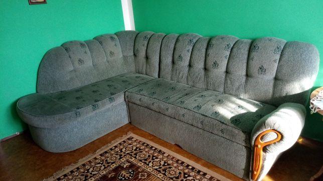 Narożnik zielony z funkcją spania