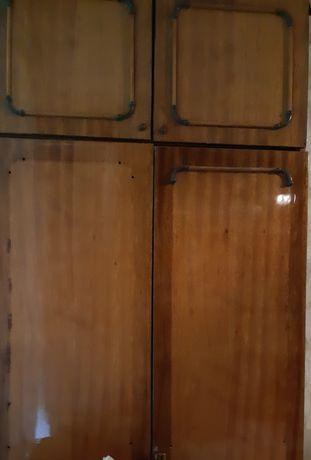 Шкаф сервант