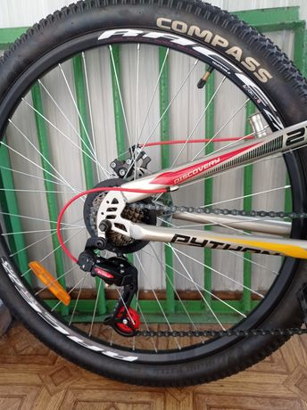 Велосипед горный Discovery Python 27.5