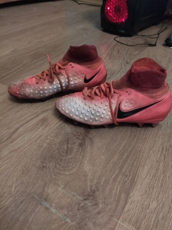Бутсы футбольные  Nike magista