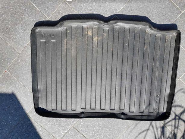 Mata, wkład dwustronny bagażnika Clio