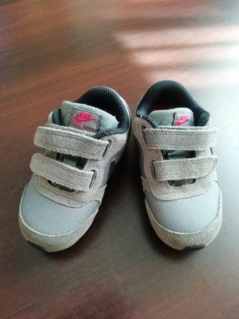 Buty sportowe adidasy nike dziecięce nike r. 23.5