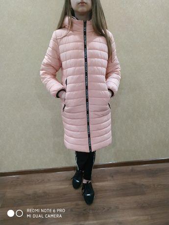 Пальто зимнее, пуховик на девочку 11 лет