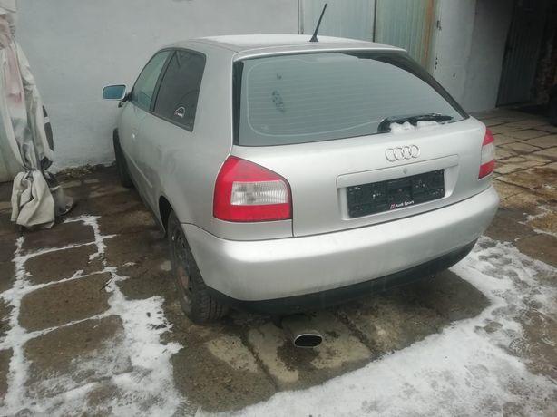Audi A3 8 l 1,6 benzyna