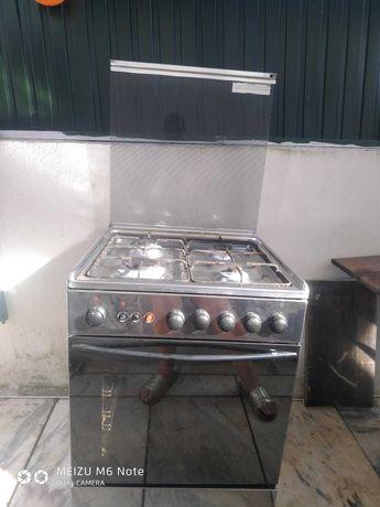 Fogão gás ,forno elétrico